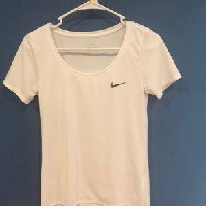 Women's Xs white nike dry fit T-shirt